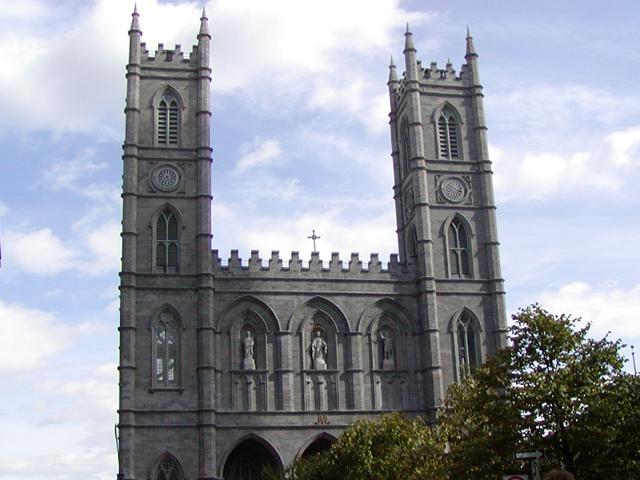 ノートルダム聖堂 ノートルダム聖堂は、1824年~1829年に建築されましたネオ・ゴシッ...